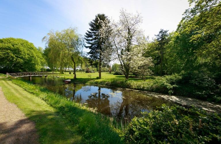 Gardens & Parks